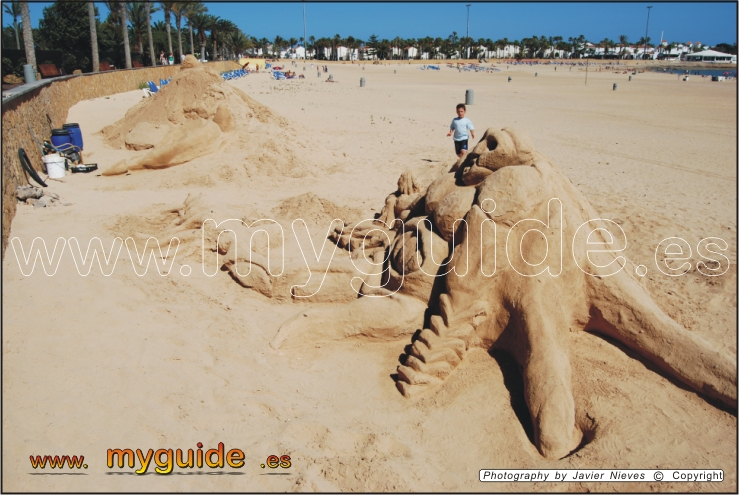 You are browsing images from the article: Caleta de Fuste Beach in Fuerteventura